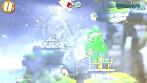 In Angry Birds 2 gibt es jetzt tolle Wettereffekte, wie Regen und Blitze, zu bestaunen.
