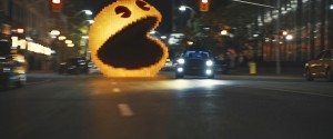 Pac-Man jagt einen Geist durch die Straßen New Yorks (Bildrechte: Sony Pictures Releasing GmbH)
