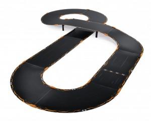 Eine von acht verschiedenen Streckenkombinationen des Anki Overdrive Starter-Kits (Bildrechte: Anki)