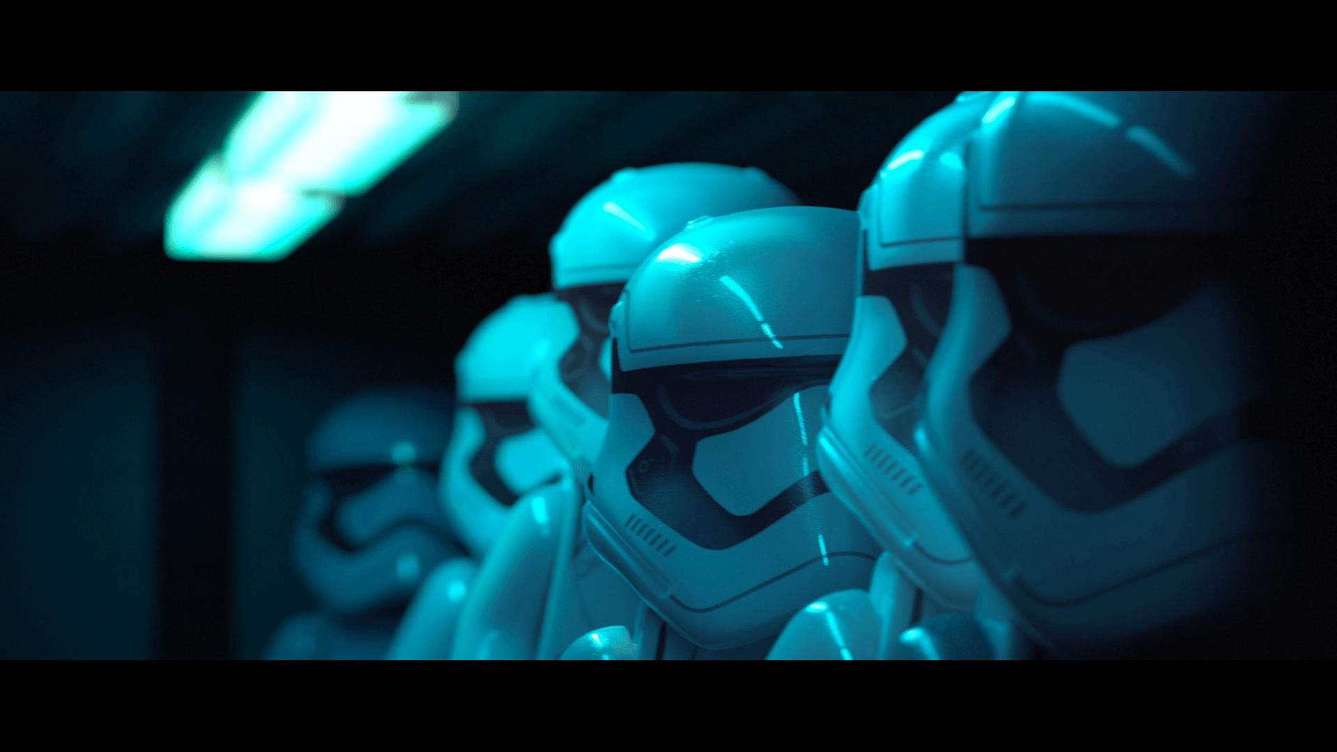 Lego Star Wars: The Force Awakens: Sturmtruppler auf dem Weg zum Einsatz (Bildrechte: Feral Interactive)