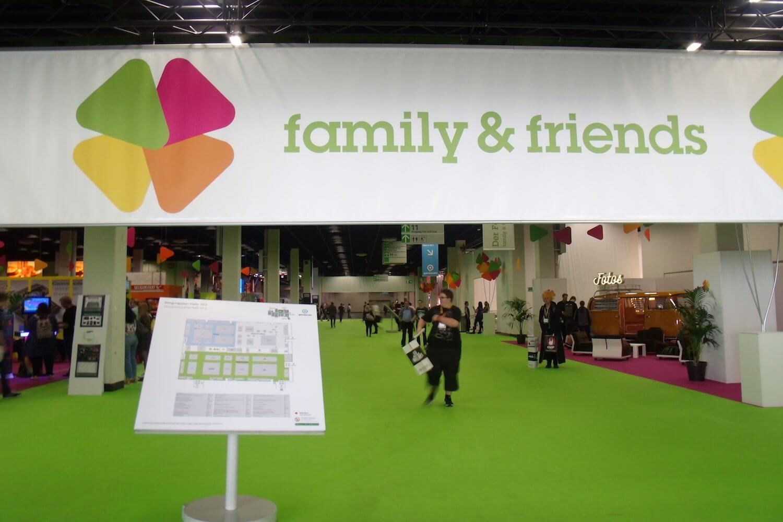 Gamescom 2017: der Bereich family & friends in Halle 10 lud zum Retro-Gaming und Entspannen ein