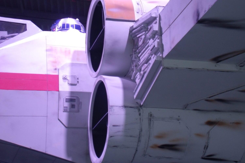 Gamescom 2017: R2-D2 über dem EA-Stand