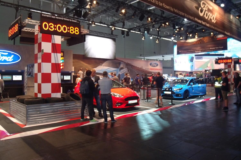 Gamescom 2017: Sogar der Autohersteller Ford persönlich hat seine Flitzer in den Messehallen geparkt